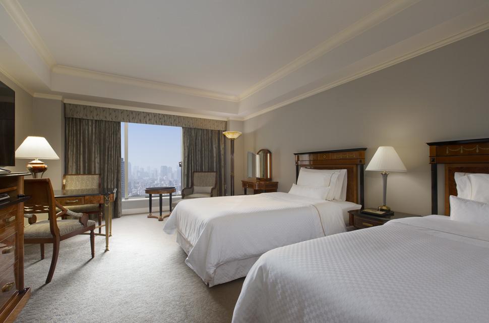 ゆとりある天井高と大きな窓の開放感あふれる42㎡以上のゆったりとした客室