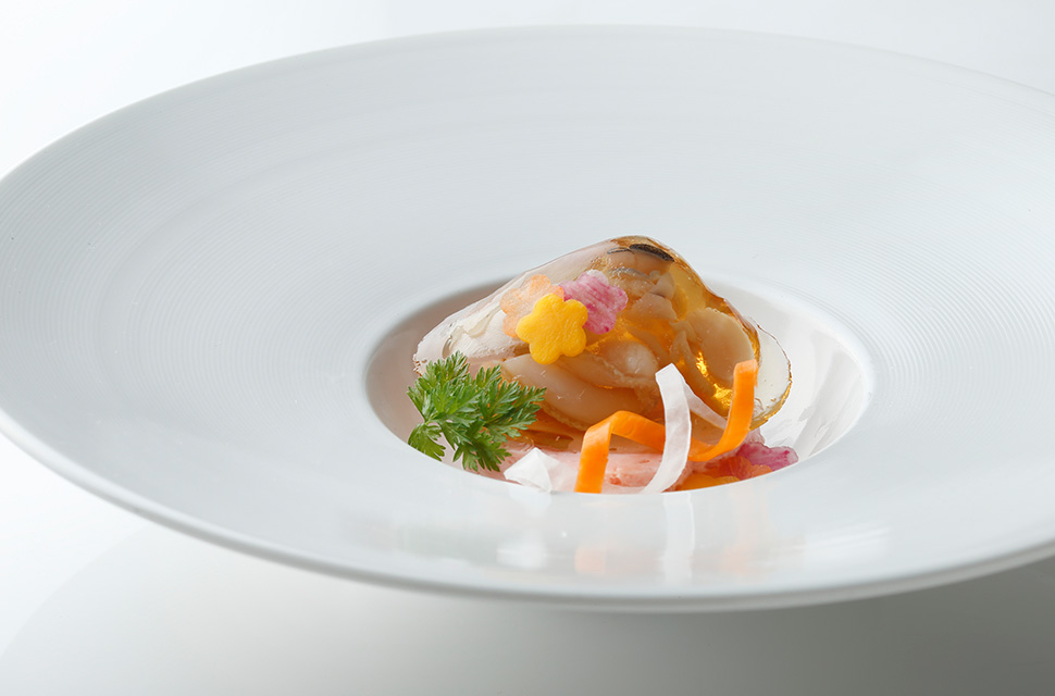 日本料理 蛤の琥珀寄せ 生湯葉 縒り野菜