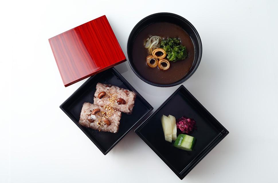 日本料理 赤飯 赤出汁 香の物