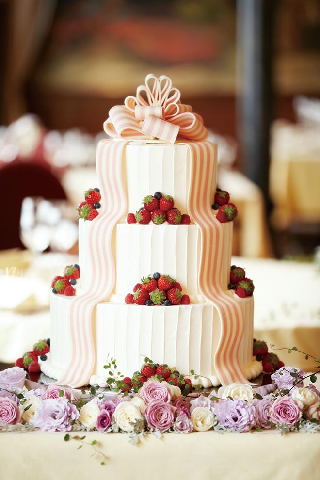 おふたりだけのオリジナルウエディングケーキの製作も可能